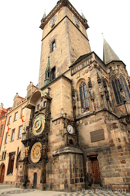 Reloj astronómico y Torre del Ayuntamiento Viejo. © Paco Bellido, 2011