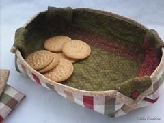 a cestinha da Paula (Carla Cordeiro) Tags: botão patchwork cozinha cesta técnica dobradura viés cantomitrado orinuno quiltinglivre