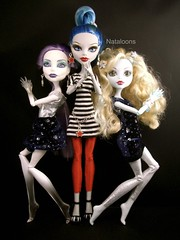 Charlie's Monsters (Angels) (Nataloons) Tags: blue monster high doll angels monsters spectra mattel charlies lagoona explored yelps ghoulia lagoonablue monsterhigh ghouliayelps vondergeist melovegangrels spectravondergeist