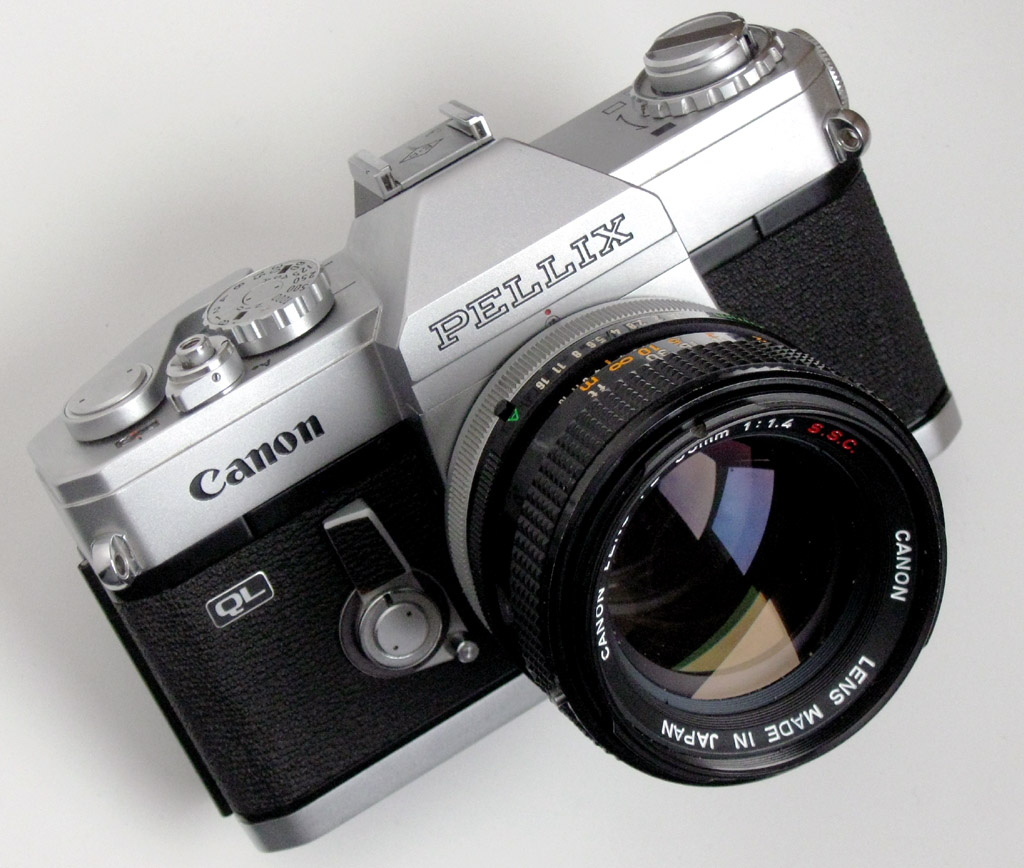 Canon Pellix QL Camera Body - 1966