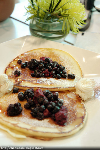 SoHo 7 - Mixed Berries Pancake