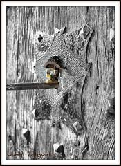 Clau al pany (Jordi TROGUET (Thanks for 1.862.797+views)) Tags: leica bw white black blanco church puerta noir negro iglesia porta jordi blanc eglise negre llave x1 blackdiamond cerradura clau esglesia pany cad jtr jossa blackwhitephotos troguet jorditroguet jossadecadi mygearandme blackwhitepassionaward leicacameraagleicax1