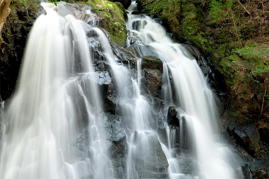 鶏鳴の滝|滋賀県甲賀市