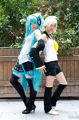 Miku Hatsune, Rin Kagamine & Kaito (Vocaloid) (fabnol) Tags: music game anime costume cosplay kaito vocaloid mikuhatsune rinkagamine