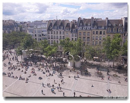 廣場上的人群