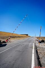 La barrera (Pepe Ruiz) Tags: canon nevada sierra granada montaa tamron1750 40d andandarax