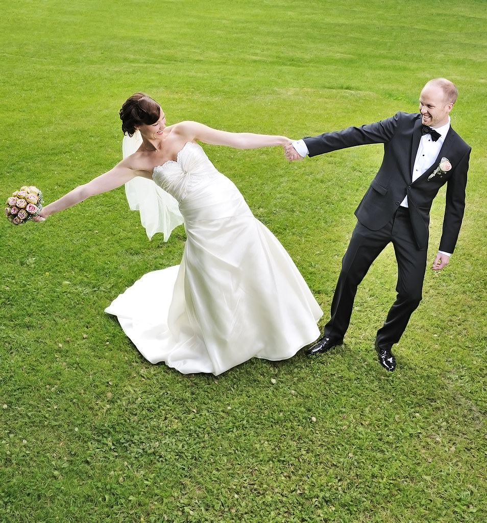 Using Alien Bees At Weddings: The World's Best Photos Of Girl And Gutt
