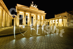 Nightwalk 2011 Berlin # EXPLORE# (Marcus Klepper - Berliner1017) Tags: city light lightpainting berlin art lines night germany painting emotion nacht kunst platz flash hauptstadt led stadt photowalk tor brandenburgertor brandenburger mitte dri hdr weltstadt verkaufen lichter nightwalk lichtmalerei pariser sehenswrdigkeiten gefhl schriftzug iloveberlin nw2011 taswchenlampe