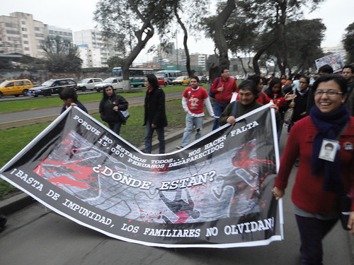 EPAF and Cantuta relatives marching to Plaza San Martin