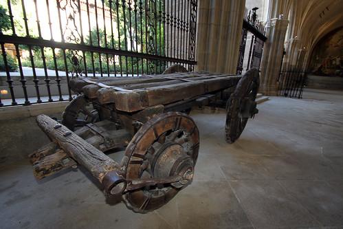 Viejo carro utilizado en la obra de la Catedral
