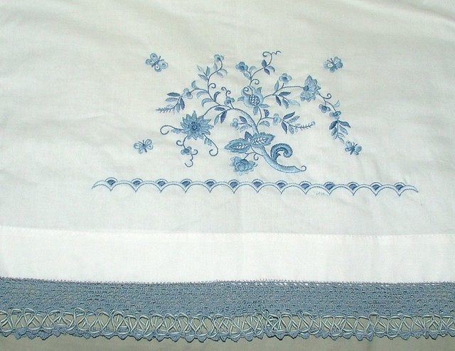 pillow with edging