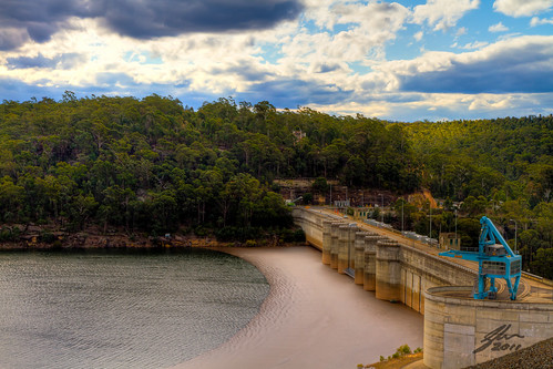 Warragamba Dam by Glen Adamson