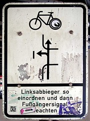 Linksabbieger (txmx 2) Tags: streetart sign hamburg 56k graffitilovesyou