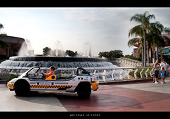 Getting ready to start the day at EPCOT (Adam Hansen) Tags: epcot disney wdw waltdisneyworld testtrack fountainofnations ropedrop parkopening familyoftheday