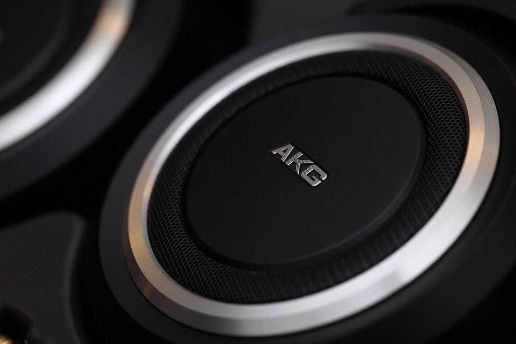 AKG K540