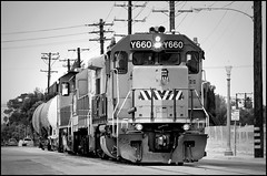 More Anaheim Street Running (greenthumb_38) Tags: california railroad blackandwhite bw train blackwhite duotone remote locomotive orangecounty anaheim 70200mm geep canonef70200mmf28l shorttrain gp15 gp151 canon40d jeffreybass upy660 up1660 remotesled