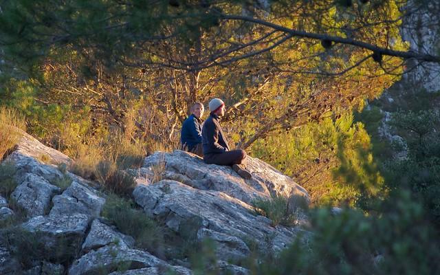 Guhyaloka people   on the rocks
