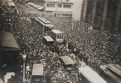 Crowd scene with trolley cars stopped while Houdini performs the Straitjacket Escape (Skirball Cultural Center) Tags: escape magic crowd 1915 magician escapeartist trolleycars skirballculturalcenter harryhoudini thejewishmuseum houdiniartandmagic