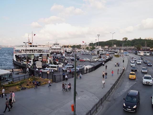伊斯坦堡街道--金角灣的渡輪
