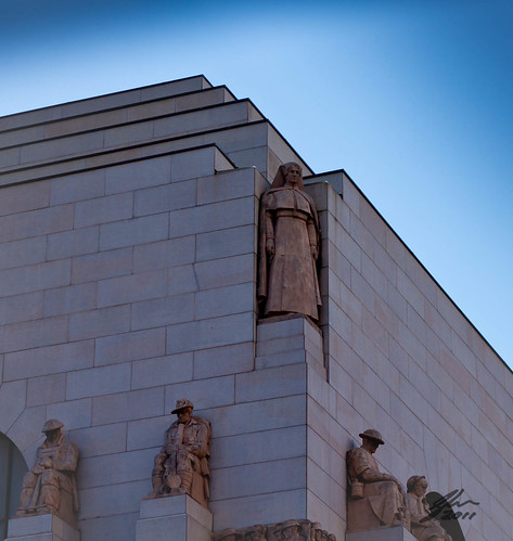 Aug 29 - Anzac War Memorial by Glen Adamson
