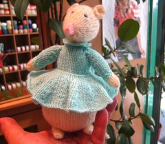 My cute knitting friend Daisy! (sifis) Tags: wool shop canon shopping sweater friend knitting dress knit athens greece s90 handknitting sakalak woolshop      sakalakwool