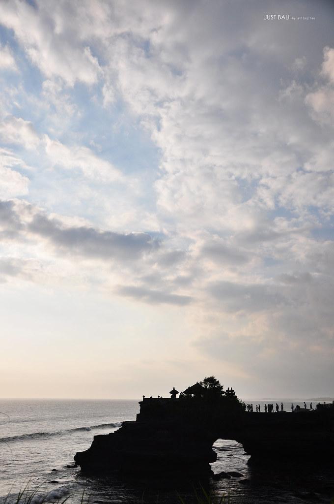Tanah Lot的云