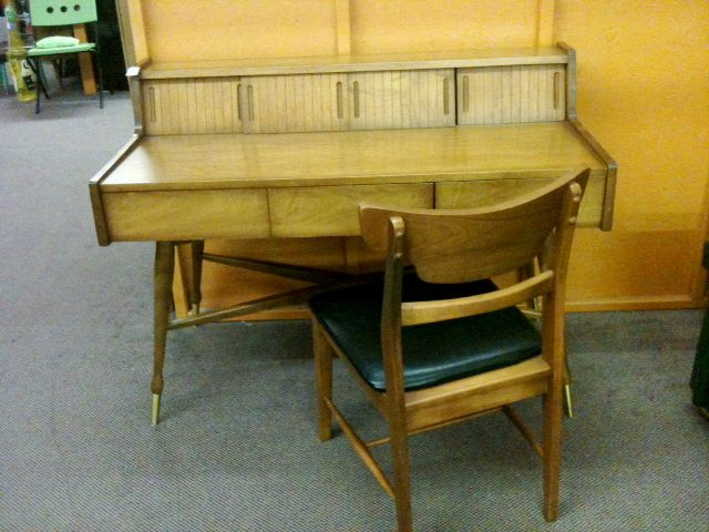 Mid Mod Desk