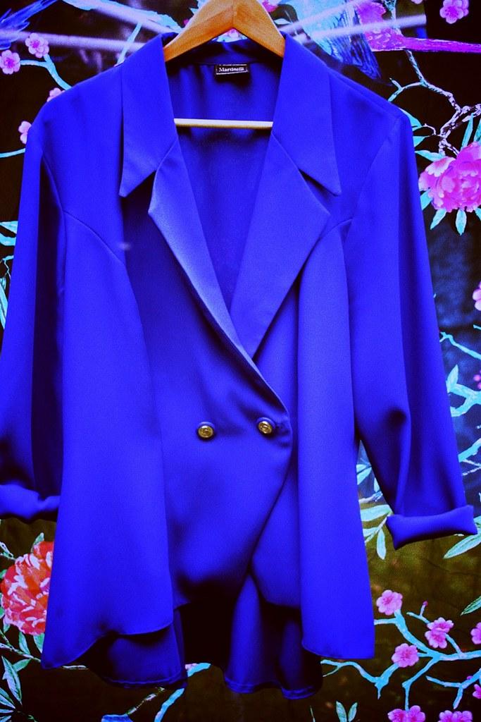 blue_blazer