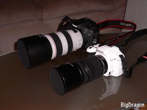 2台のカメラ 望遠ズーム