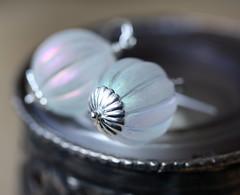 Silver white pumpkin earrings, vintage fluted iridescent beads with sterling silver (zsbekefi) Tags: white silver grey jewelry jewellery iridescent sterling earrings ékszer fehér ezüst fülbevaló