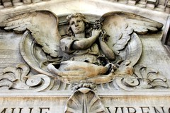 It is the most beautiful Angel in the Passy Cemetery (S. Ruehlow) Tags: friedhof paris france cemetery grave graveyard tomb grab cimetiere passy grabanlage cimetiredepassy passycemetery