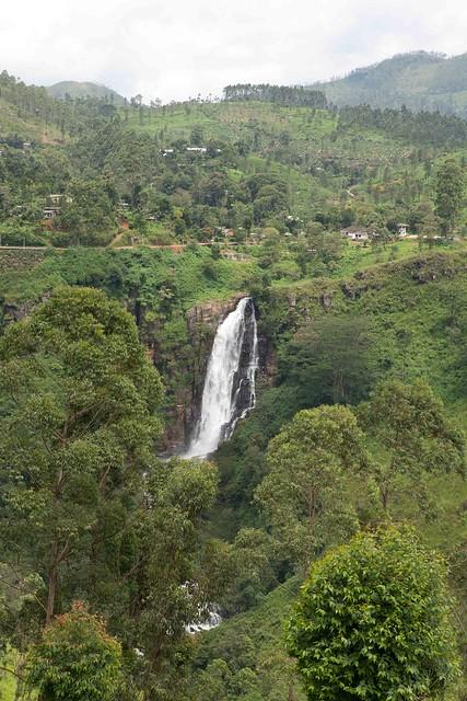 Nuwara_Eliya_Waterfall_Sml-4317