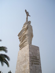 Nn Shqipri. Lavdi e prjetshme dshmorve t atdheut (1971). Monument allgorique La Mre Albanie,  la gloire ternelle des martyrs de la Patrie.Tirana, Albanie. (Only Tradition) Tags: monument statue al socialist albania realismo communisme socialiste ralisme socialista albanien shqiperi shqiperia albanija albanie realisme shqip shqipri ppsh shqipria shqipe arnavutluk hcpa albani   gjuha   rpsh  rpssh   realizm   komunizm   albnija