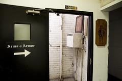 Right this way (Minnesota Niche) Tags: armsarmor