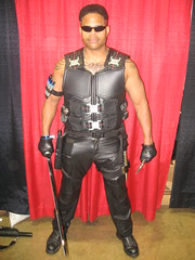 Blade, The Vampire Killer (MorpheusBlade) Tags: sunglasses tattoo costume cosplay muscle vampire superhero blade marvel comicon armyveteran daywalker kenoshawisconsin chicagocomiccon2011 wizardworldchicago2011