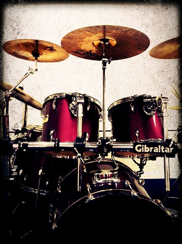55/365- Drum Set by elineart