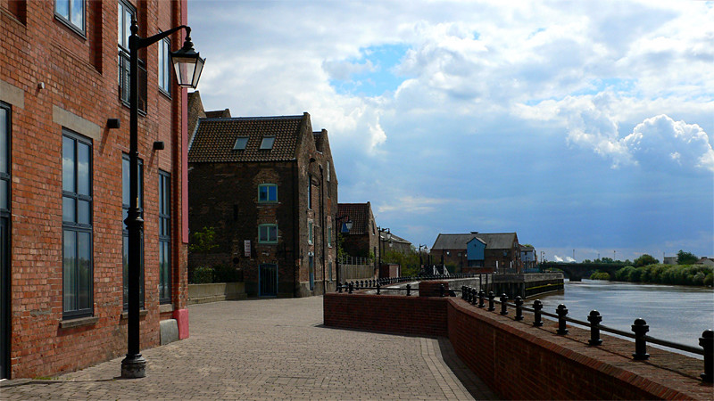 Gainsborough River Front
