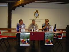 """Jose Luis Clemente, Jesús Portugal y Fernando Canales presentando su libro """"Cocine"""""""