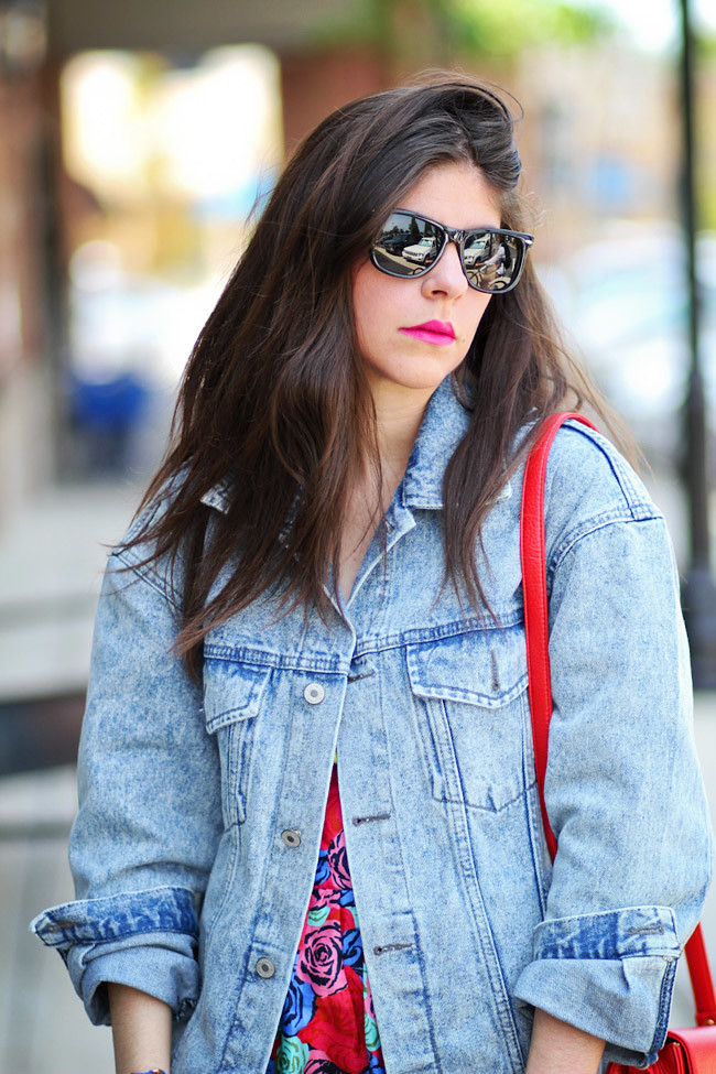 Chuck Taylor Converse, Motel Rosie Skirt, Eighties Denim Jacket, Neon Fashion, Ray Ban Wayfafer