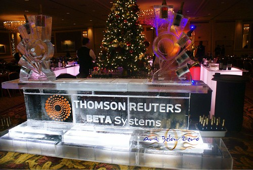 Thomson Reuters 10 ' Ice bar ice sculpture