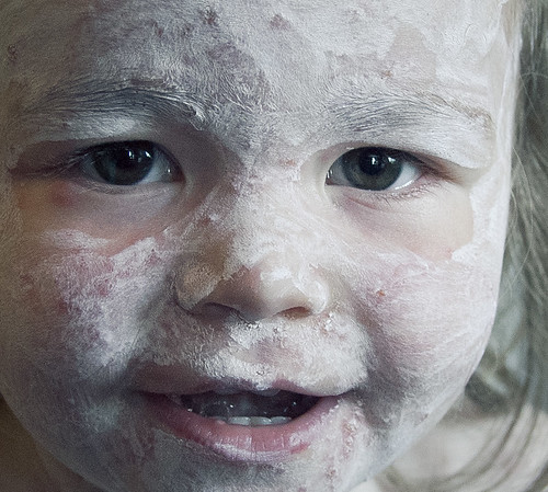how to use calamine lotion on face