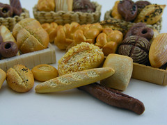 Assorted bread (Shay Aaron) Tags: food miniature baker basket farmersmarket box handmade grain mini polymerclay fimo wholemeal baguette bakery tiny poppy pastry roll loaf 12th 112 twisted bun artisan sourdough ryebread dollhouse petit wholewheat challah ciabatta pumpernickel frensh painaulevain oneinchscale shayaaron