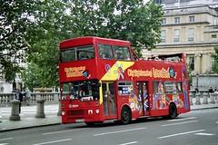 OLST MB509 - GYE 509W (Solenteer) Tags: trafalgarsquare metrobus londontransport mcw arriva opentop citysightseeing m509 originallondonsightseeing mb509 gye509w