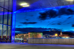 Lentos (Markus Rappan) Tags: blue sky building museum architecture modern night clouds linz austria evening center nightshoot electronica bluehour ars glas hdr lentos hdrlentosaeclinz