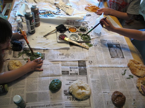 Painting our dino fossils #2