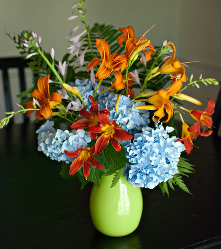 Summerflowerarrangement