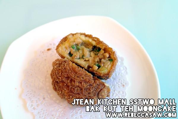 Jtean kitchen sstwomall - bak kut teh mooncake-2