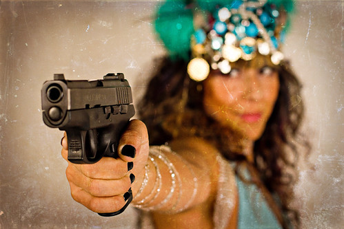 Mia Pistolera Photo Shoot preview / Richard Call