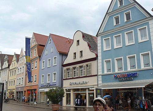 maisons colorées à speyer.jpg
