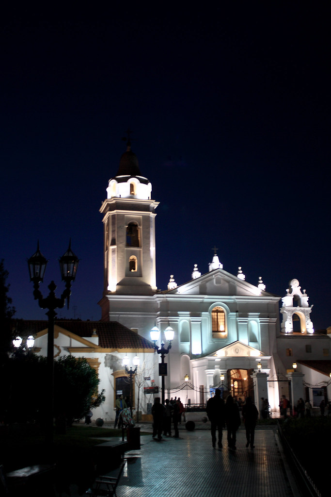 Recoleta at night